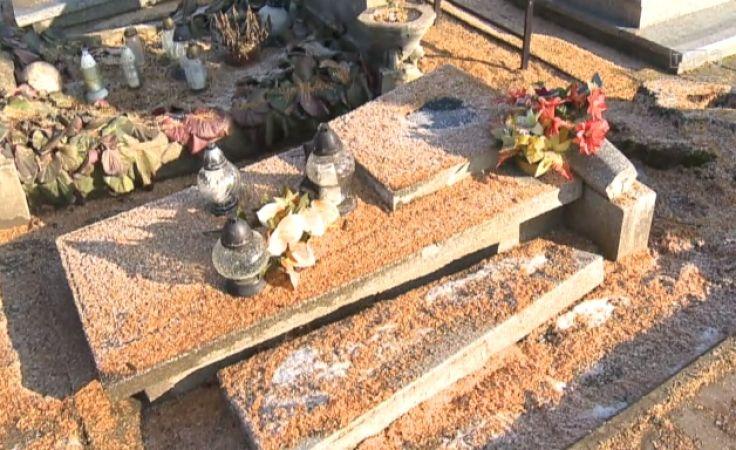 Zniszczenia na cmentarzu w Czernikowie