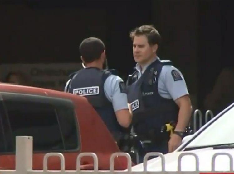 Atak W Nowej Zelandii Hd: Strzelanina W Meczecie W Nowej Zelandii. Są Liczne Ofiary