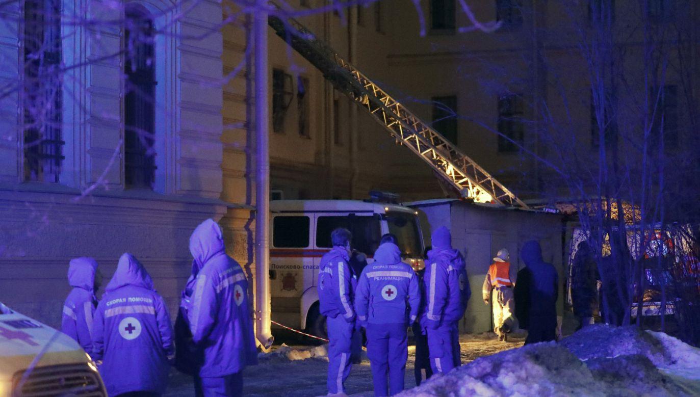 Według petersburskiego portalu Fontanka.ru w chwili katastrofy w budynku byli wykładowcy i studenci  (fot. PAP. EPA/ANATOLY MALTSEV)