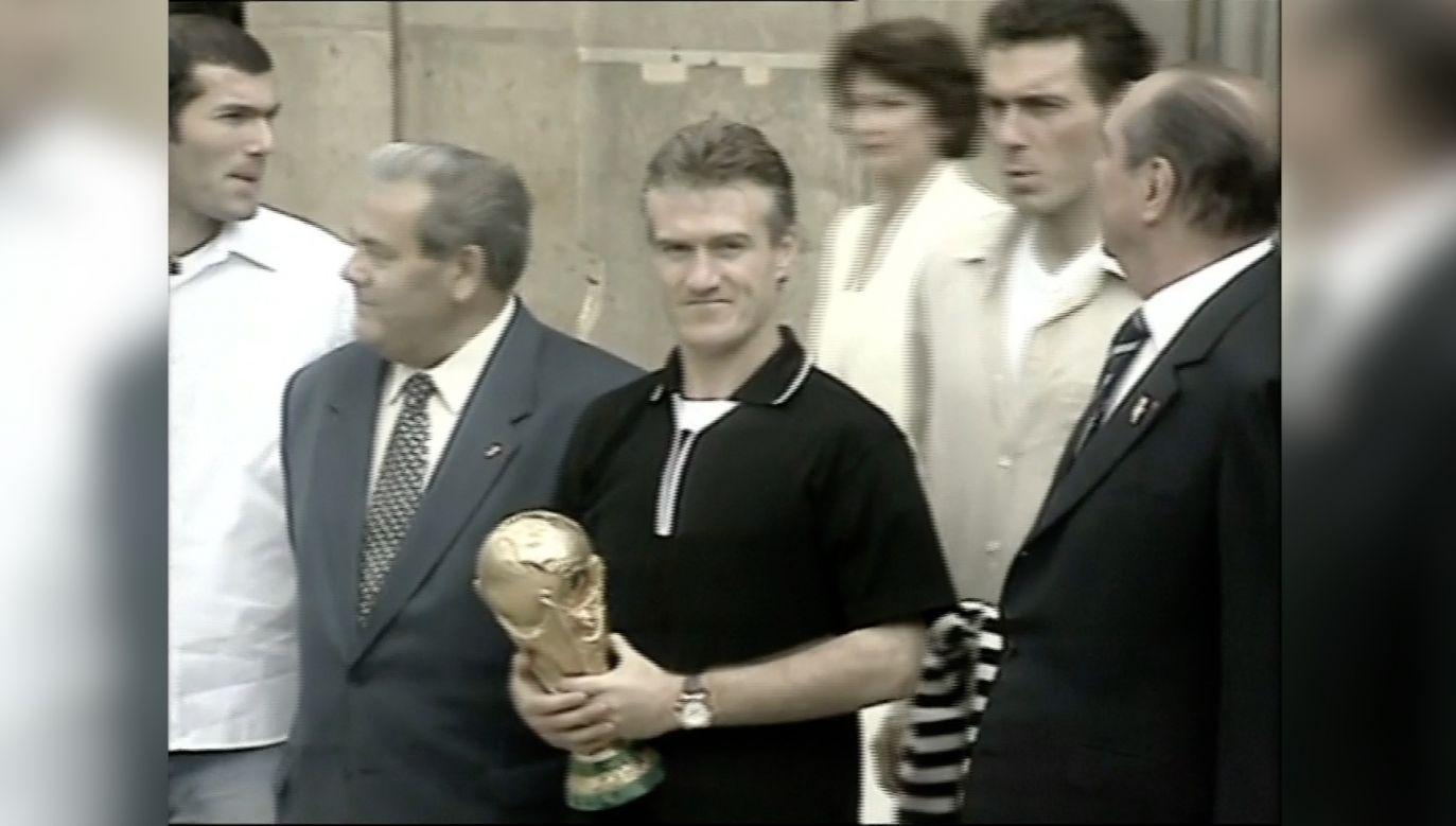 Didier Deschamps po zdobyciu mistrzostwa świata w 1998 r. (fot. Reuters)