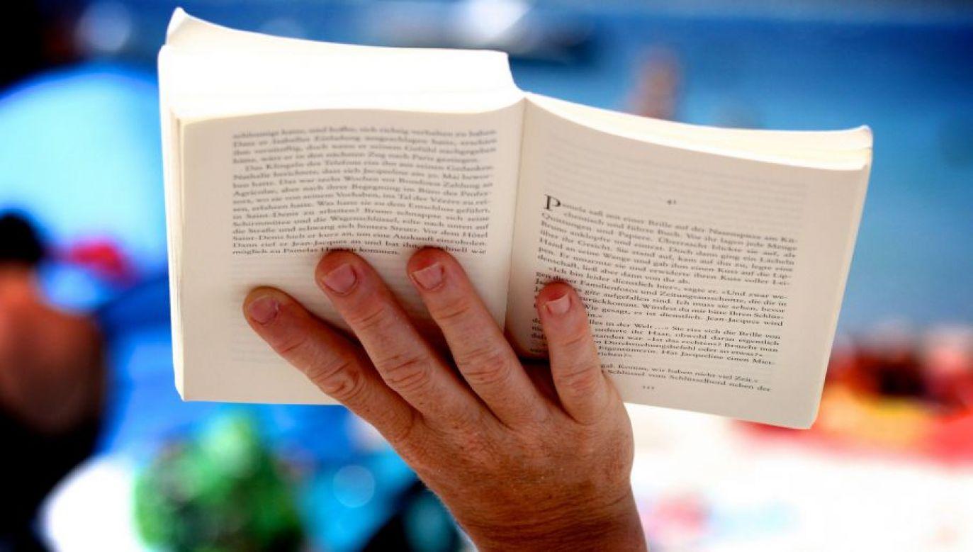 Duży wpływ na poziom czytelnictwa ma otoczenie (fot. flickr.com/ .christoph.G.)