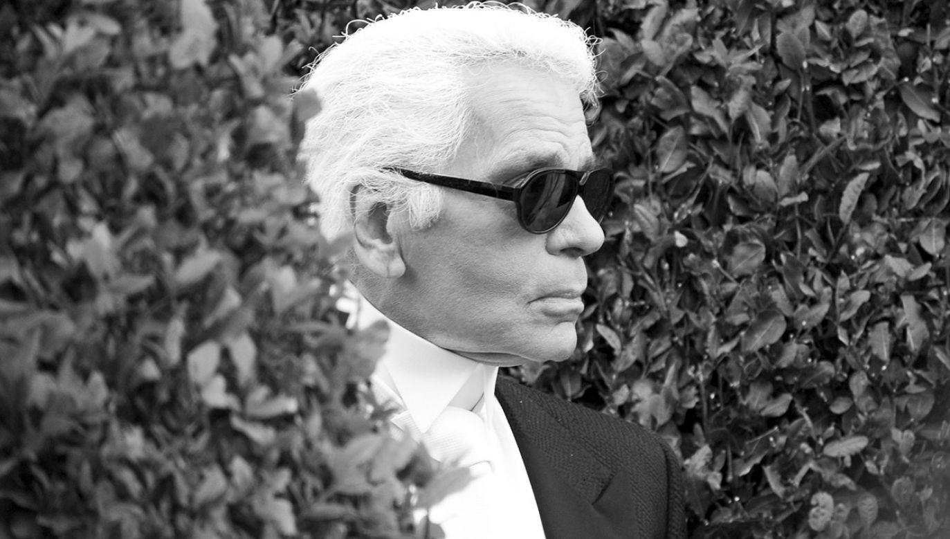 Karl Lagerfeld był dyrektorem kreatywnym Chanel (fot. PAP/ EPA/CHRISTOPHE KARAB)