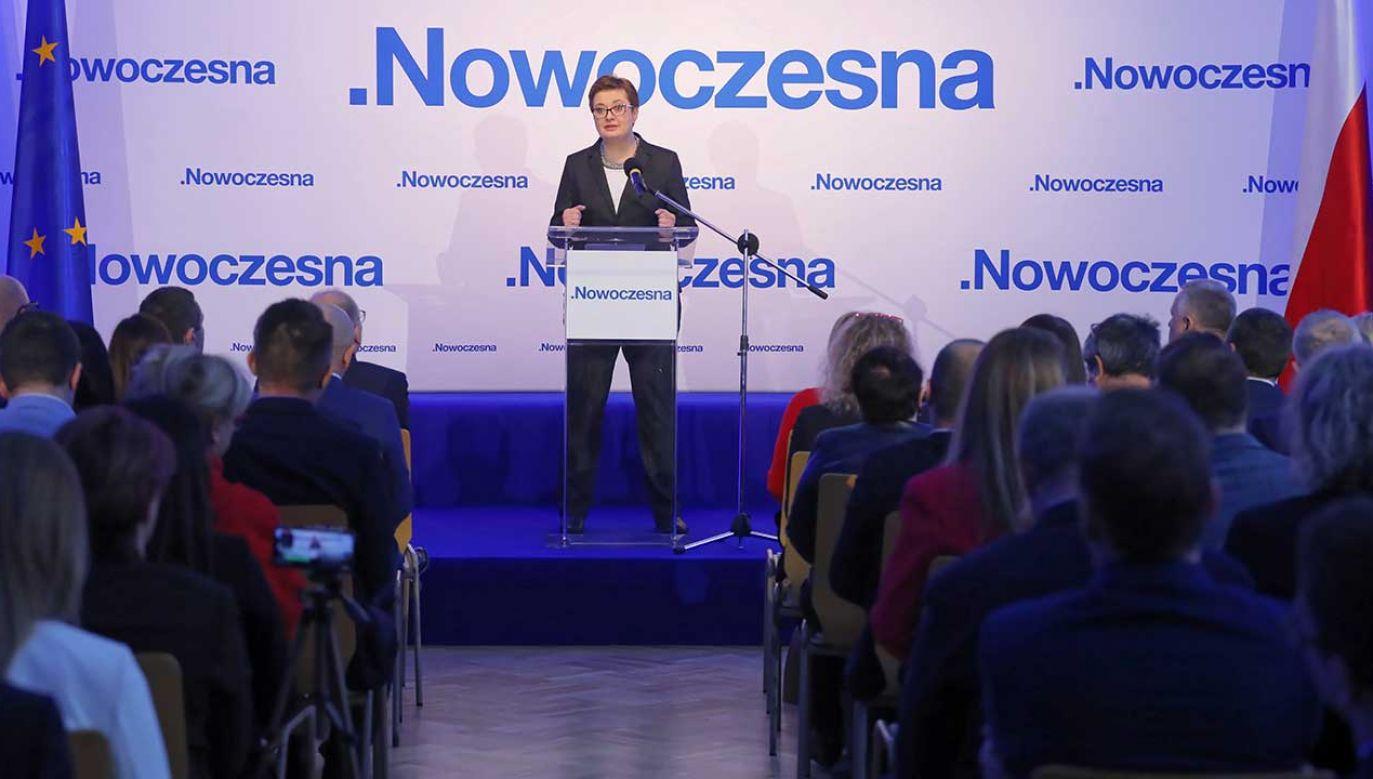 Przewodnicząca partii Katarzyna Lubnauer przemawia podczas Rady Krajowej Nowoczesnej (fot. PAP/Paweł Supernak)