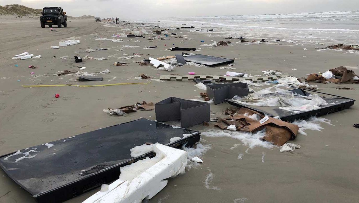 W wyniku silnego sztormu w morzu znalazło się nawet dwieście kontenerów (fot. TT/Erik Scheer)