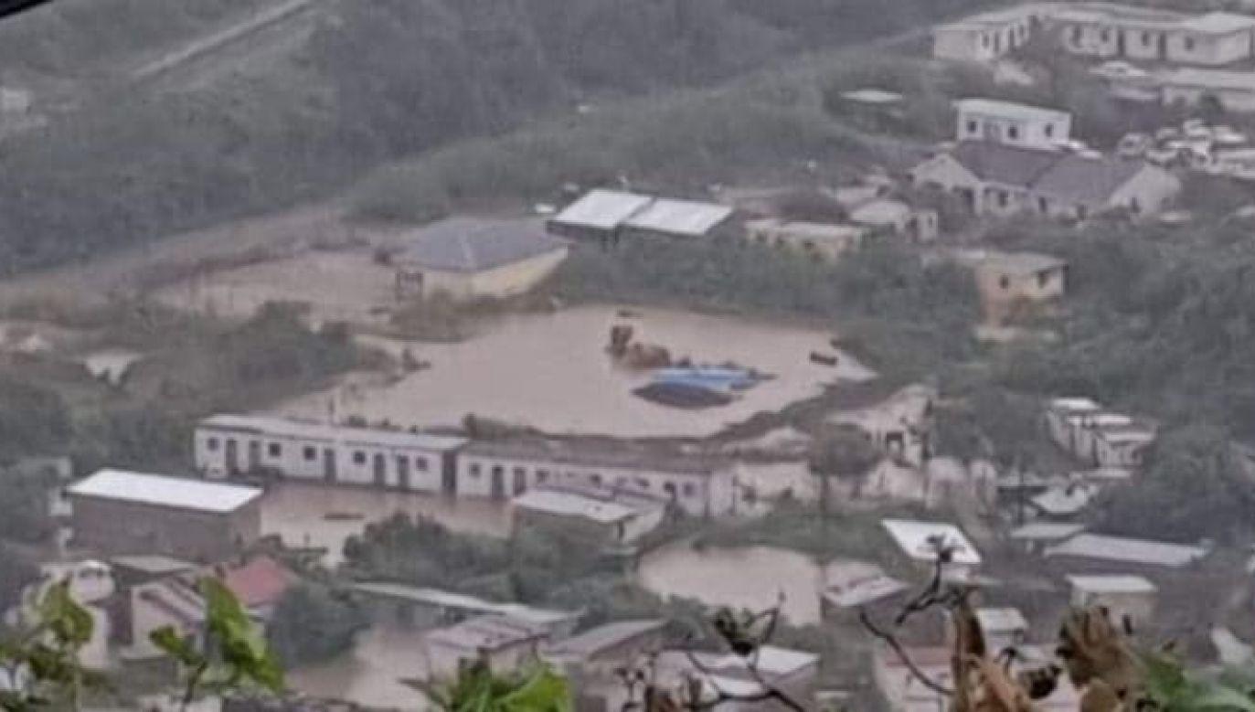 Służby nadal szukają ofiar powodzi (fot. Twitter/@Honeyguide15)