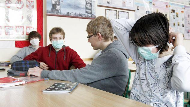Uniwersytecki Szpital Kliniczny we Wrocławiu podejrzewa, że ośmioro pacjentów ma objawy grypy AH1N1 (fot. arch.PAP/Andrzej Grygiel)