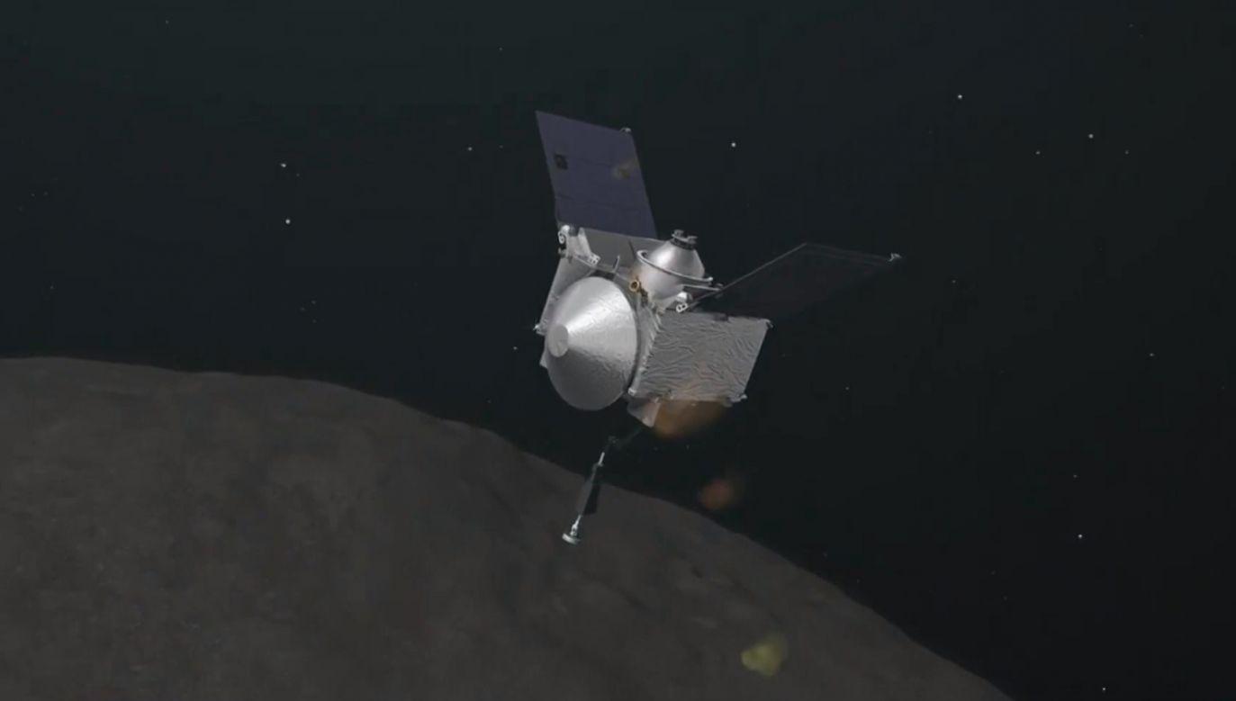 Sonda OSIRIS-REx ma pomóc zapobiec zderzeniu asteroidy Bennu z Ziemią, co może nastąpić w XXII w. (fot. TVP Info)
