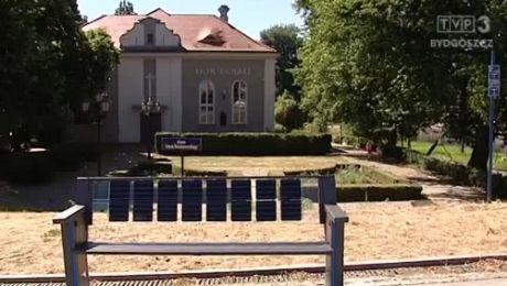 Ławka solarna stanęła na Mostowej w Bydgoszczy