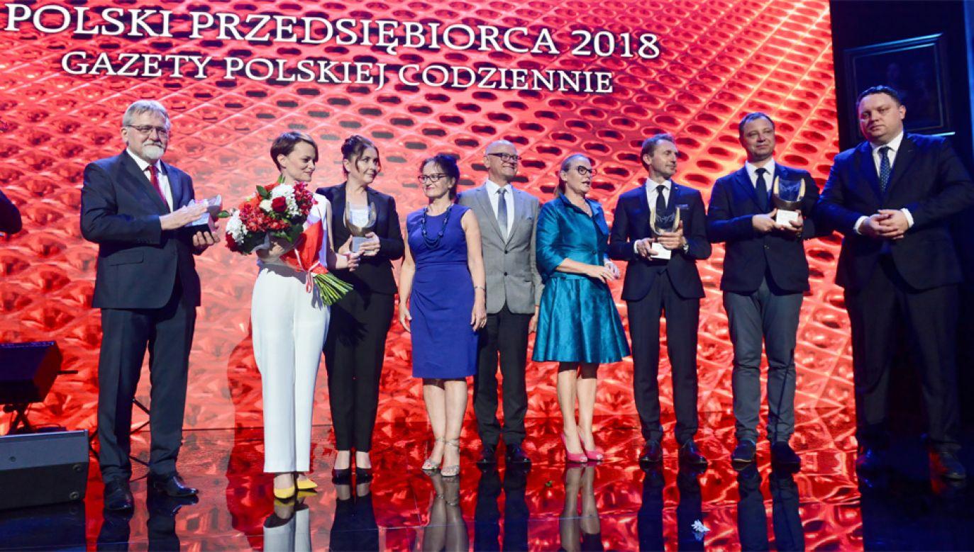 """Laureaci konkursu """"Polski Przedsiębiorca 2018 Gazety Polskiej Codziennie"""" (fot. PAP/Jakub Kamiński)"""