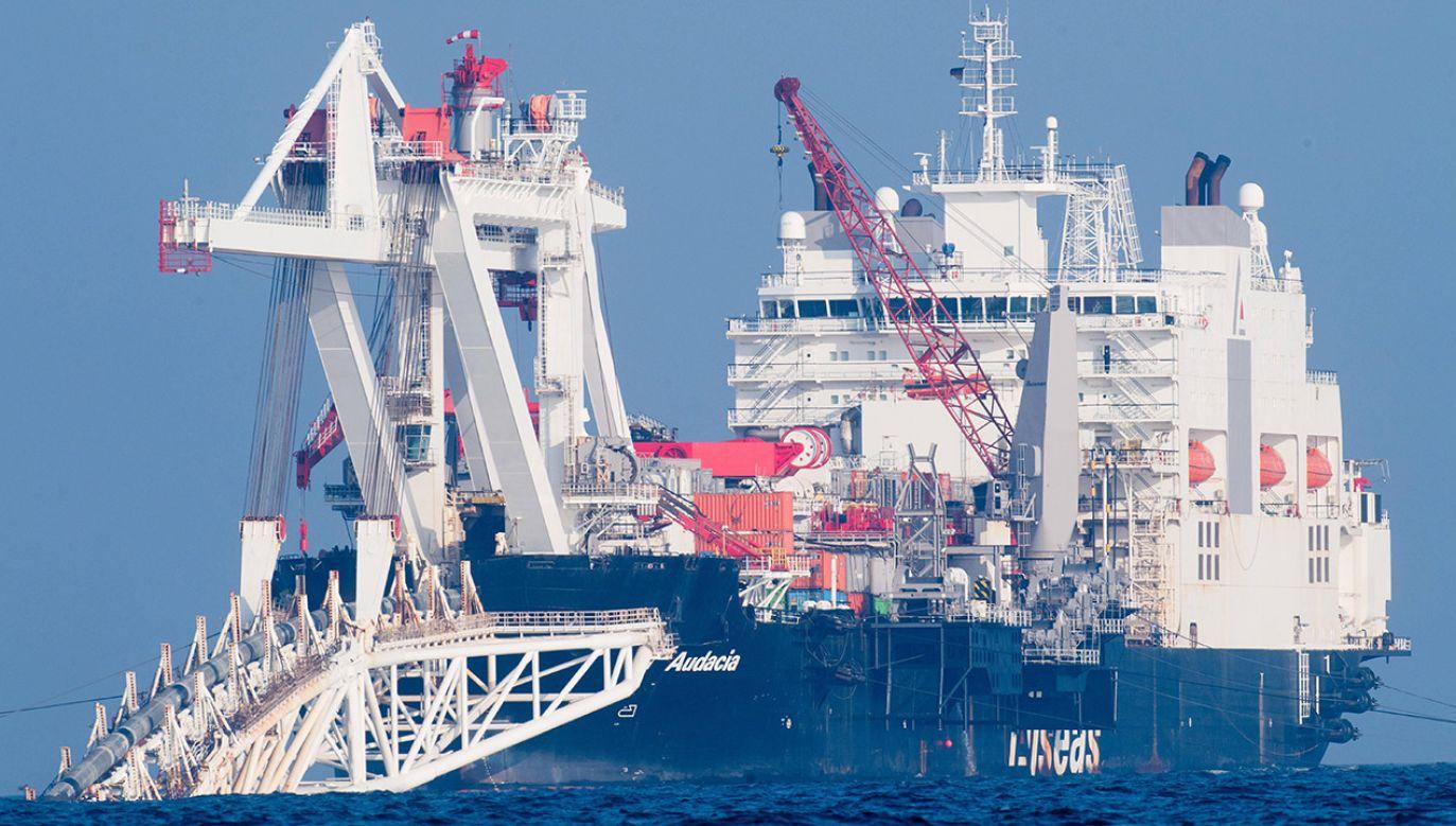 "Statek ""Audacia"" układa rury gazociągu Nord Stream 2 (fot. arch.PAP/Stefan Sauer/dpa-Zentralbild/dpa)"