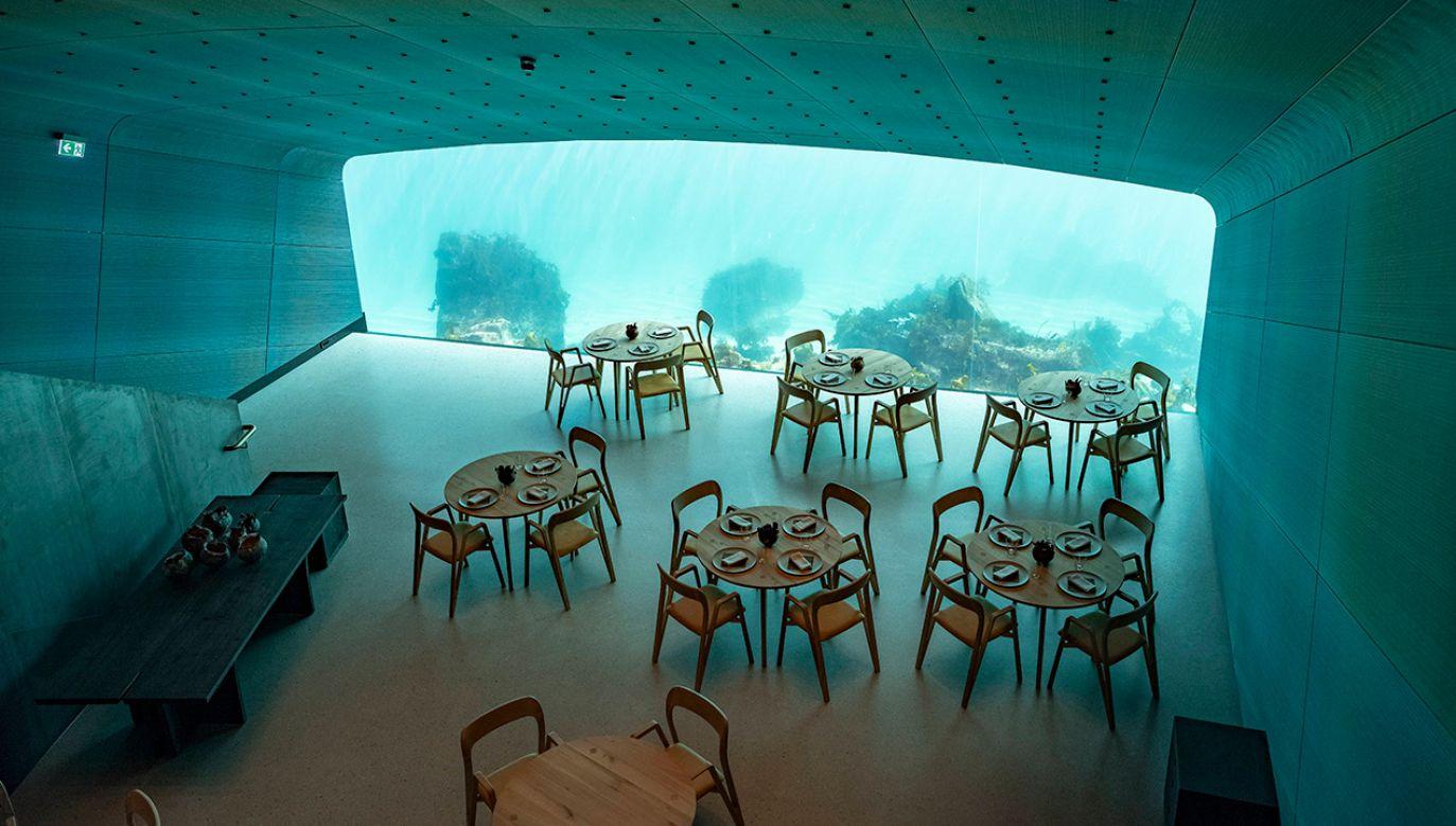 Ta szczególna restauracja mieści się na skalistych brzegach Lindesnes w Norwegii (fot. arch. PAP/TOR ERIK SCHRODER)