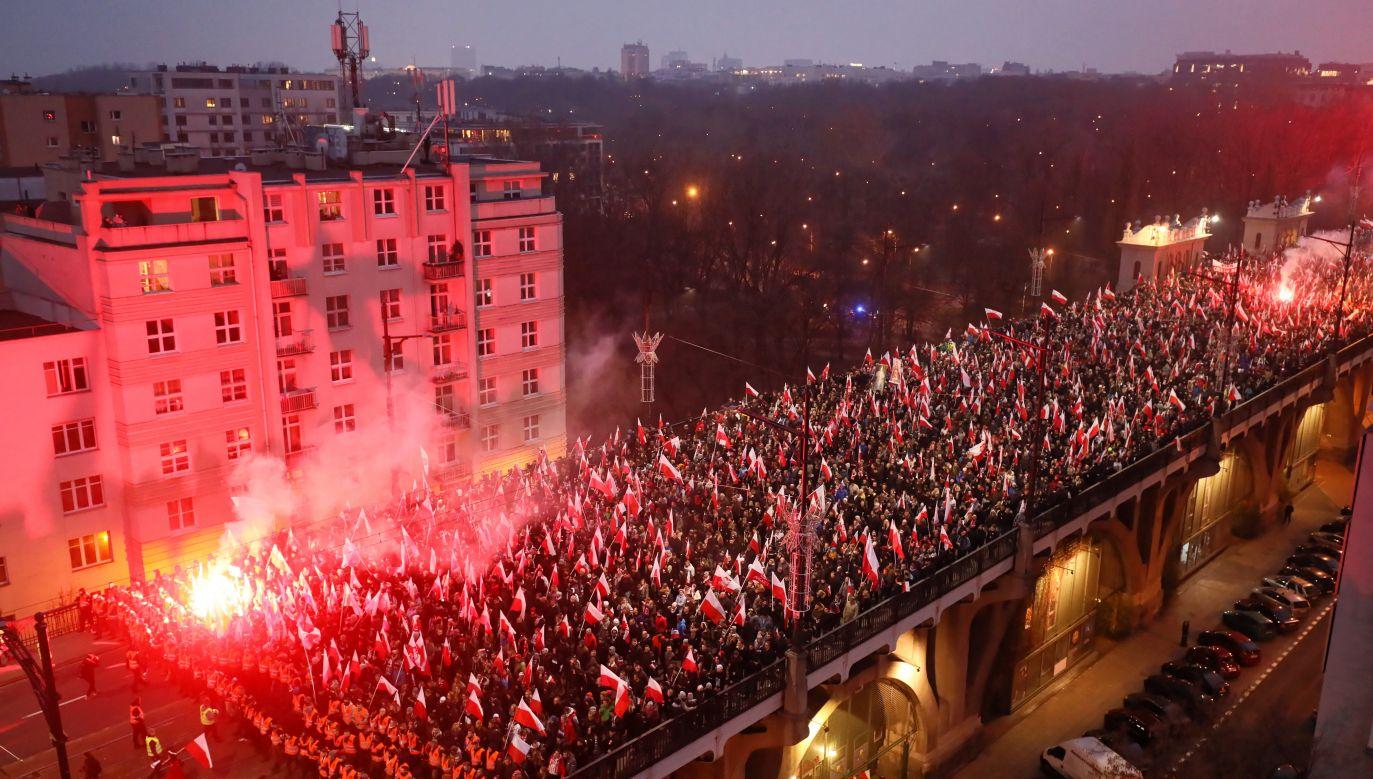 Zdaniem policji ulicami Warszawy przeszło 250 tysięcy osob (fot. PAP/Paweł Supernak)