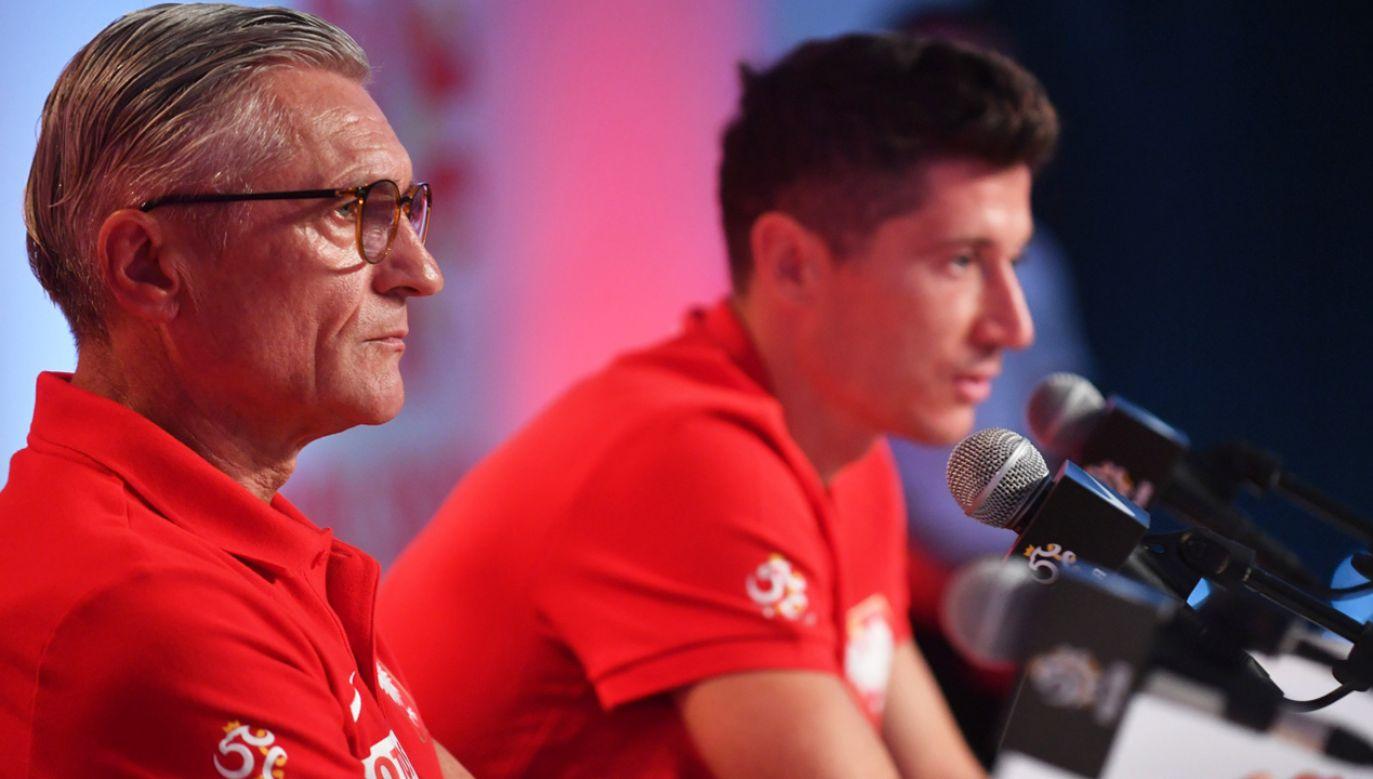 Trener piłkarskiej reprezentacji Polski Adam Nawałka i kapitan reprezentacji Robert Lewandowski (fot. PAP/Bartłomiej Zborowski)