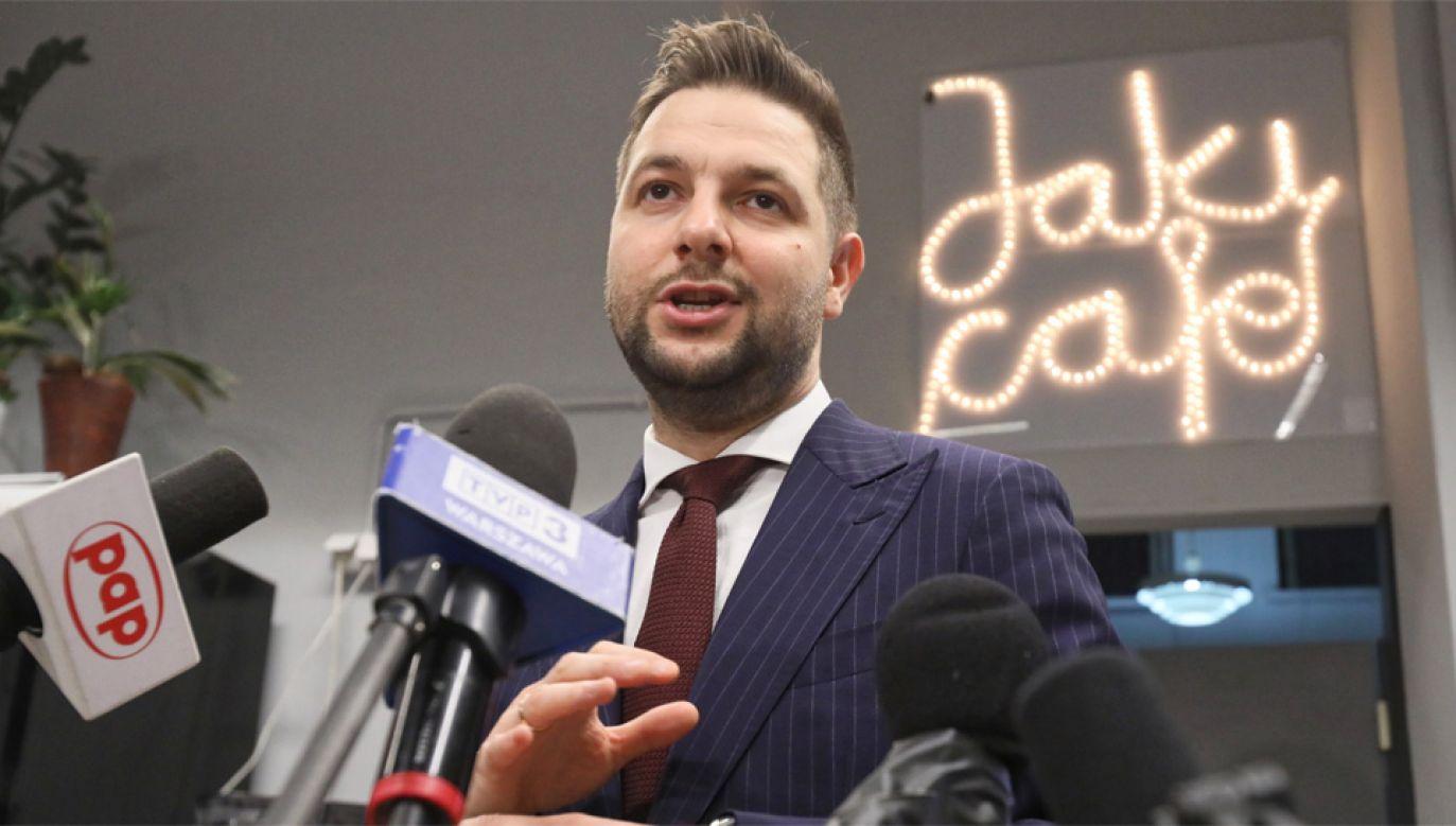 Patryk Jaki zapewnia, że jest kandydatem bezpartyjnym (fot. PAP/Leszek Szymański)