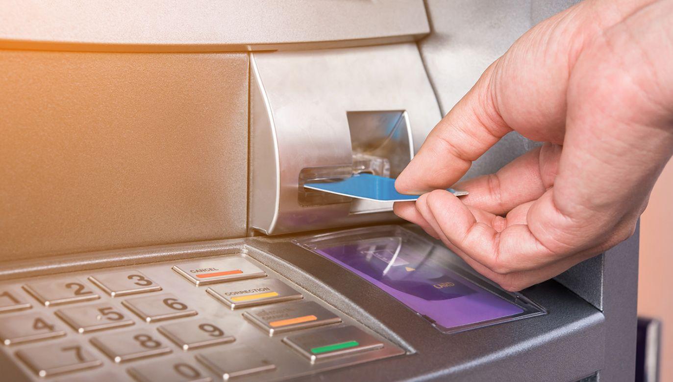 Klienci banków muszą się liczyć z problemami z dostępem do gotówki (fot. Shutterstock/totojang1977)