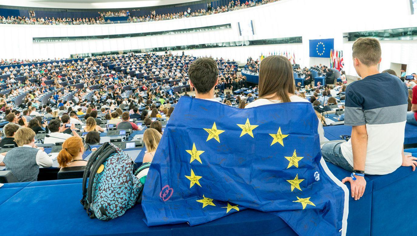 Andrzej Duda argumentuje, że zaproponowane zmiany powodują realny wzrost progu wyborczego od około 11 do 16,5 procent (fot. Flickr/european parliament)