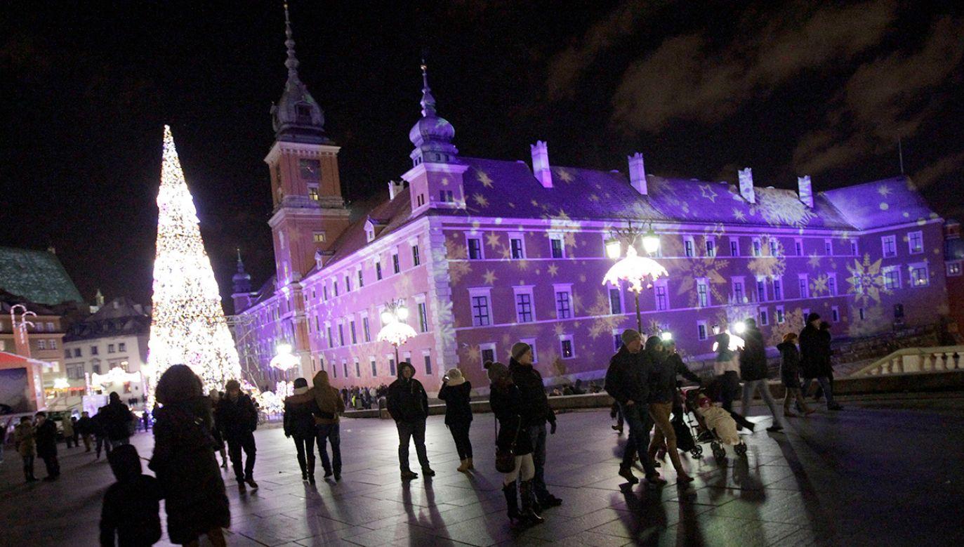 Służby na bieżąco monitorują sytuację w Polsce (fot. REUTERS/Kacper Pempel)