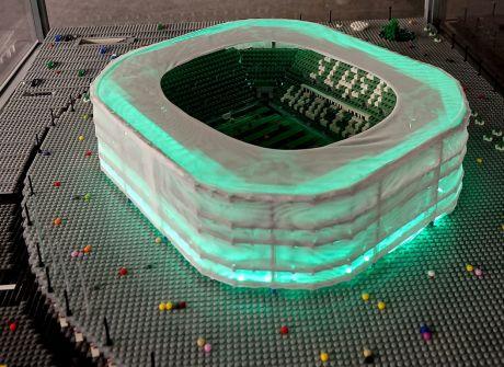 Stadion Wrocław z klocków Lego na... Stadionie Wrocław