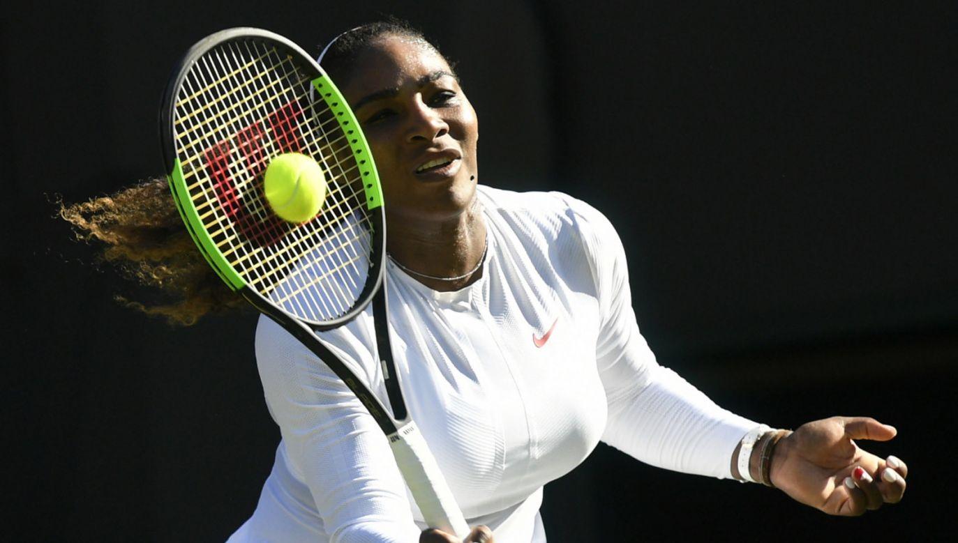 Serena Williams przyznała, że powrót do rywalizacji w Wimbledonie wymaga od niej poświęceń (fot. EPA/NEIL HAL)