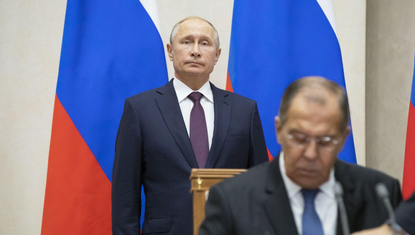 Prezydent Rosji Władimir Putin i minister spraw zagranicznych Siergiej Iwanow (fot. PAP/EPA/PAVEL GOLOVKIN / POOL)