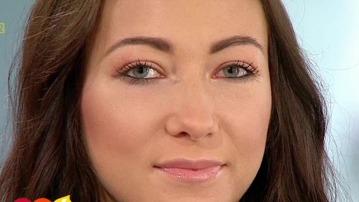 Makijaż Dla Opadającej Powieki Pytanienasniadanietvppl