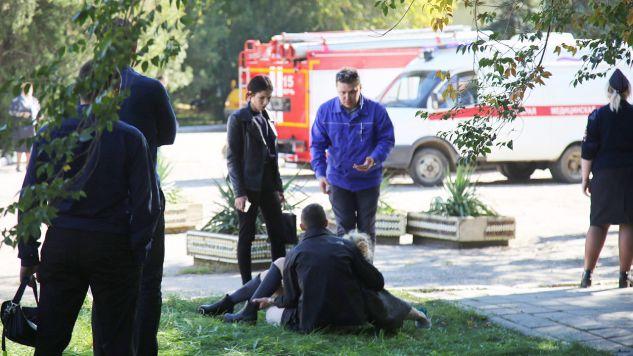 Wśród ofiar śmiertelnych są uczniowie miejscowego technikum i jego pracownicy (fot. PAP/EPA/KERCH.FM)