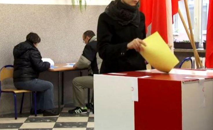 Urzędnicy wyborczy pilnie poszukiwani. PKW wydłuża rekrutację