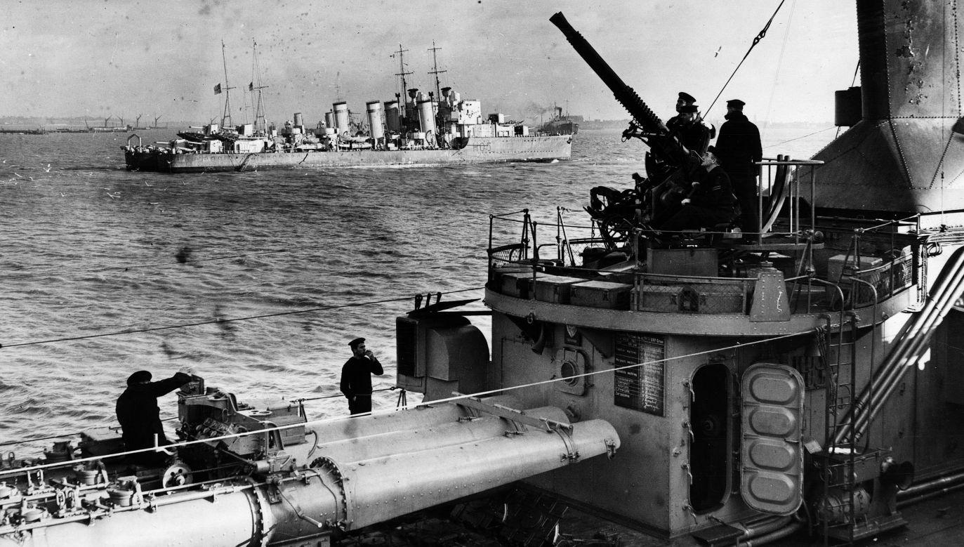 Polski niszczyciel w Royal Navy, 1939 rok  (fot. Fox Photos/Getty Images)