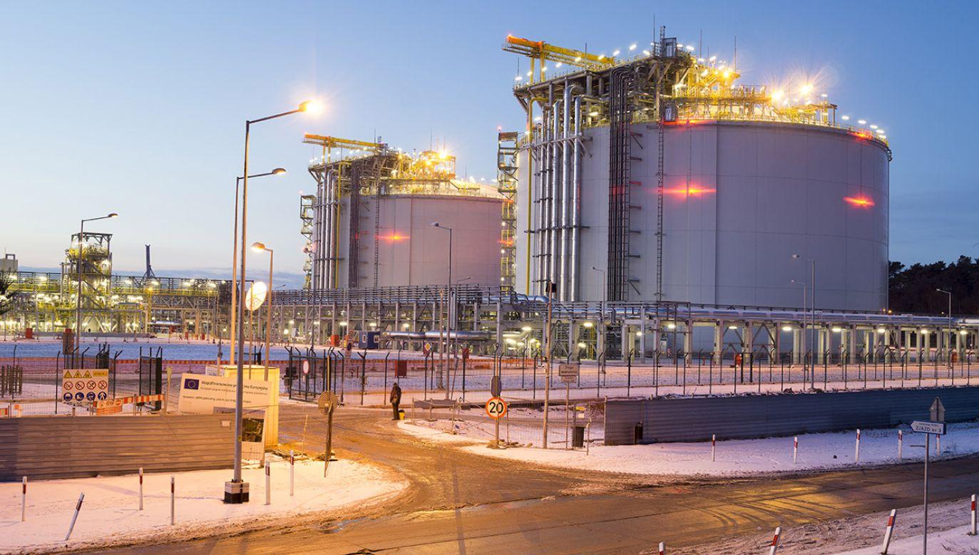 Terminal LNG w Świnoujściu (fot. Shutterstock/Mike Mareen)