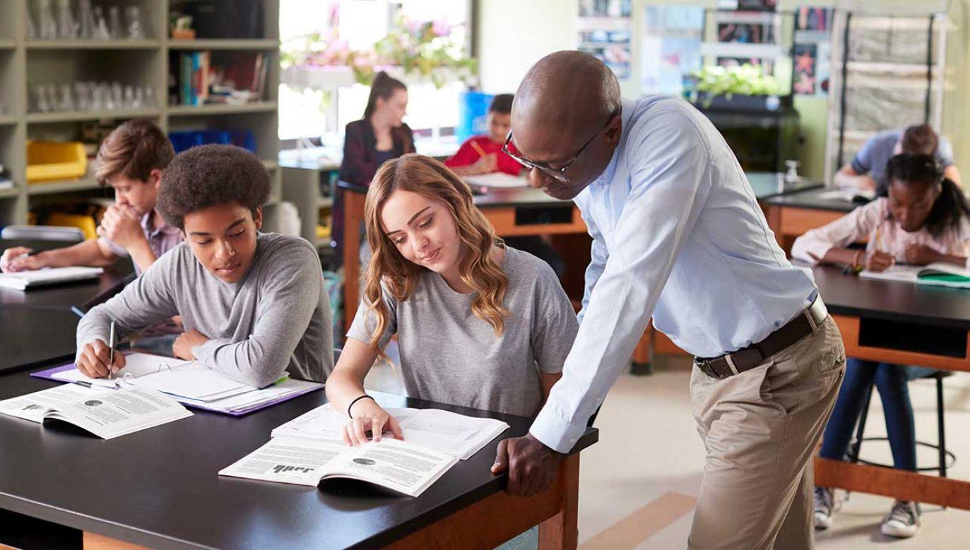 """Punkty """"za przeciwności"""" nie będą doliczane do wyników SAT ani udostępniane kandydatom (fot. Shutterstock/Monkey Business Images)"""