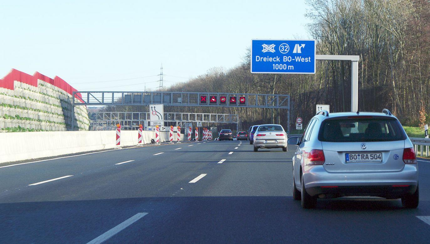 Autostrada A40 jest jedną z najbardziej uczęszczanych w Zagłębiu Ruhry (fot. Shutterstock/Tumarkin Igor - ITPS)
