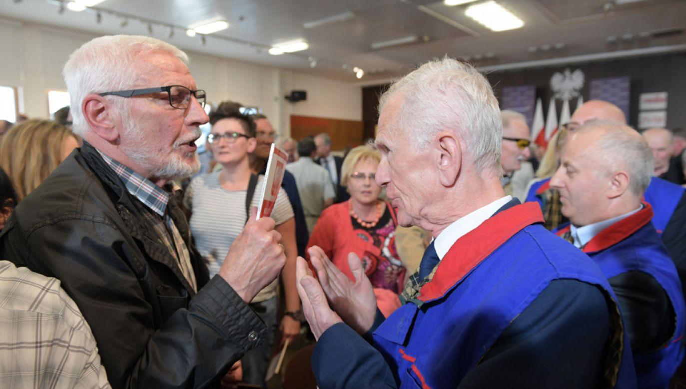 Przepychanki podczas spotkania mieszkańców Gdańska z premierem Mateuszem Morawieckim (fot. PAP/Adam Warżawa)