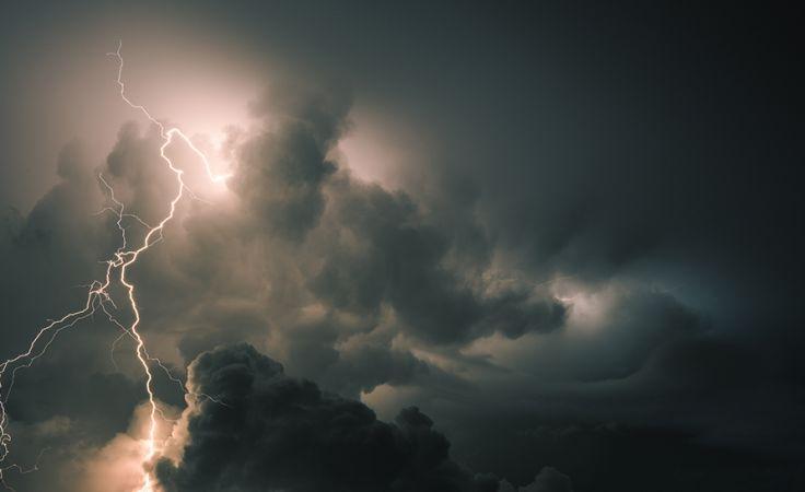 Burze dają się nam we znaki (fot. Shutterstock/HE68)