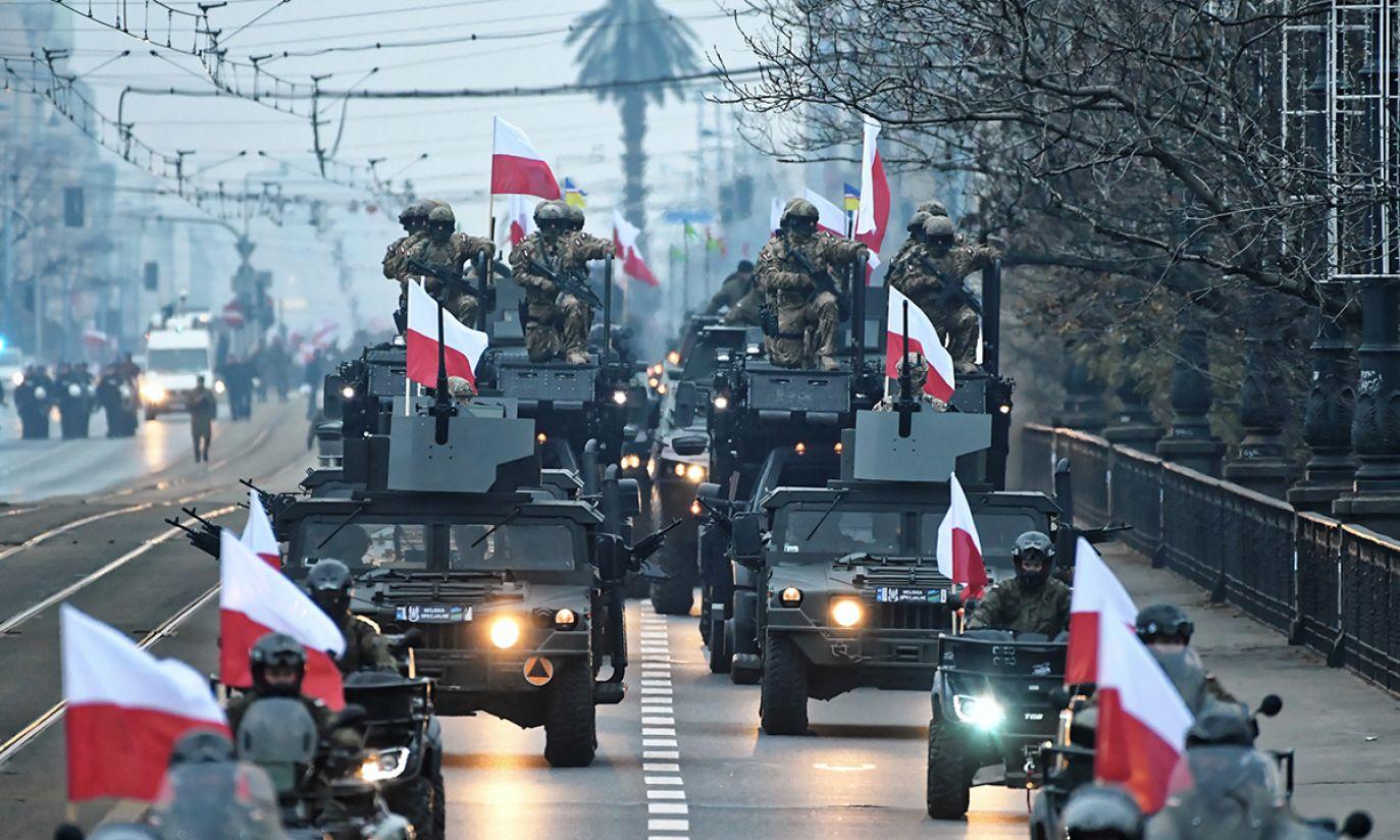 """Czoło Biało-Czerwonego Marszu """"Dla Ciebie Polsko"""