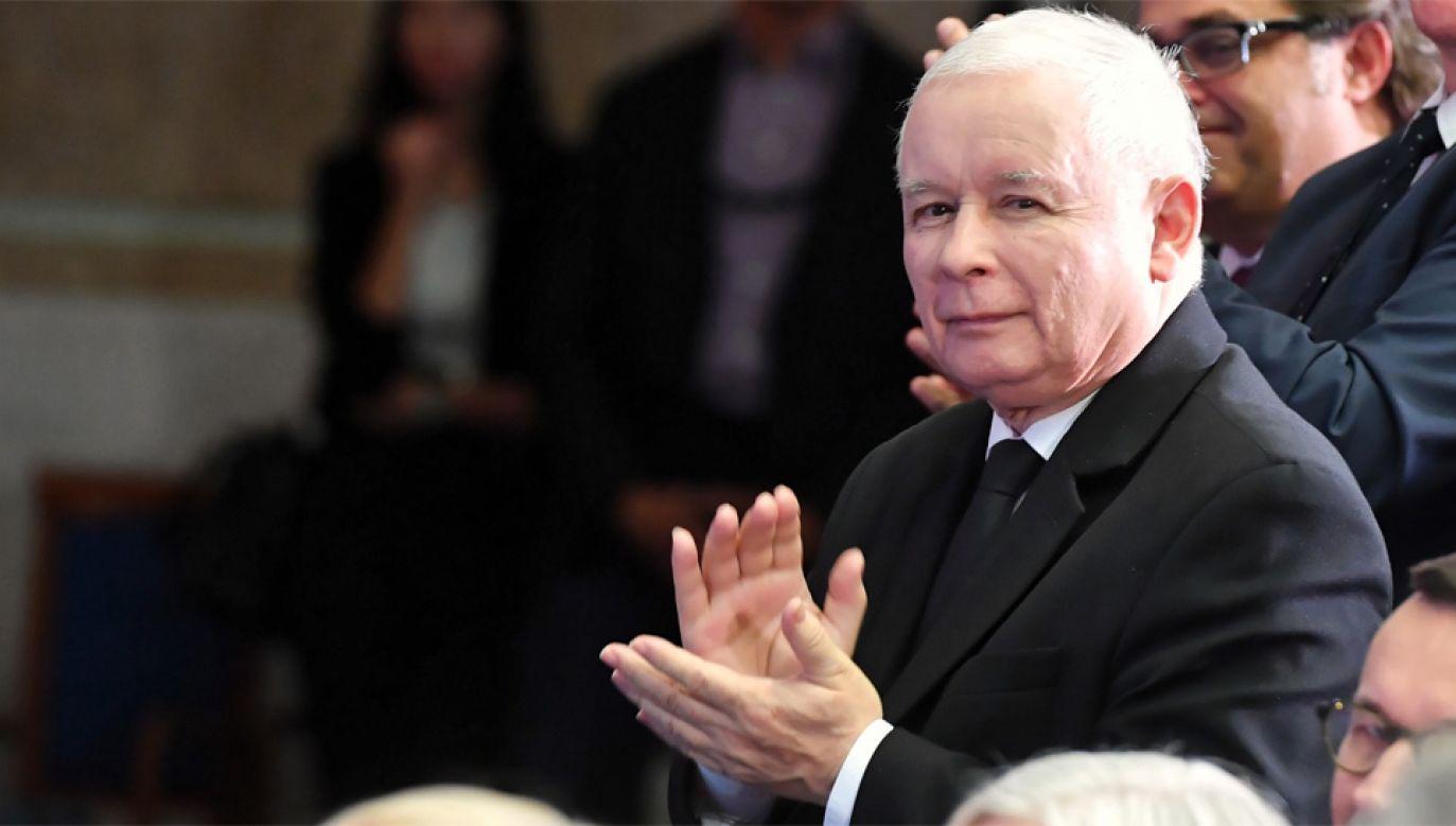 Prezes PiS Jarosław Kaczyński podziękował za wyróżnienie (fot. PAP/Marcin Bielecki)