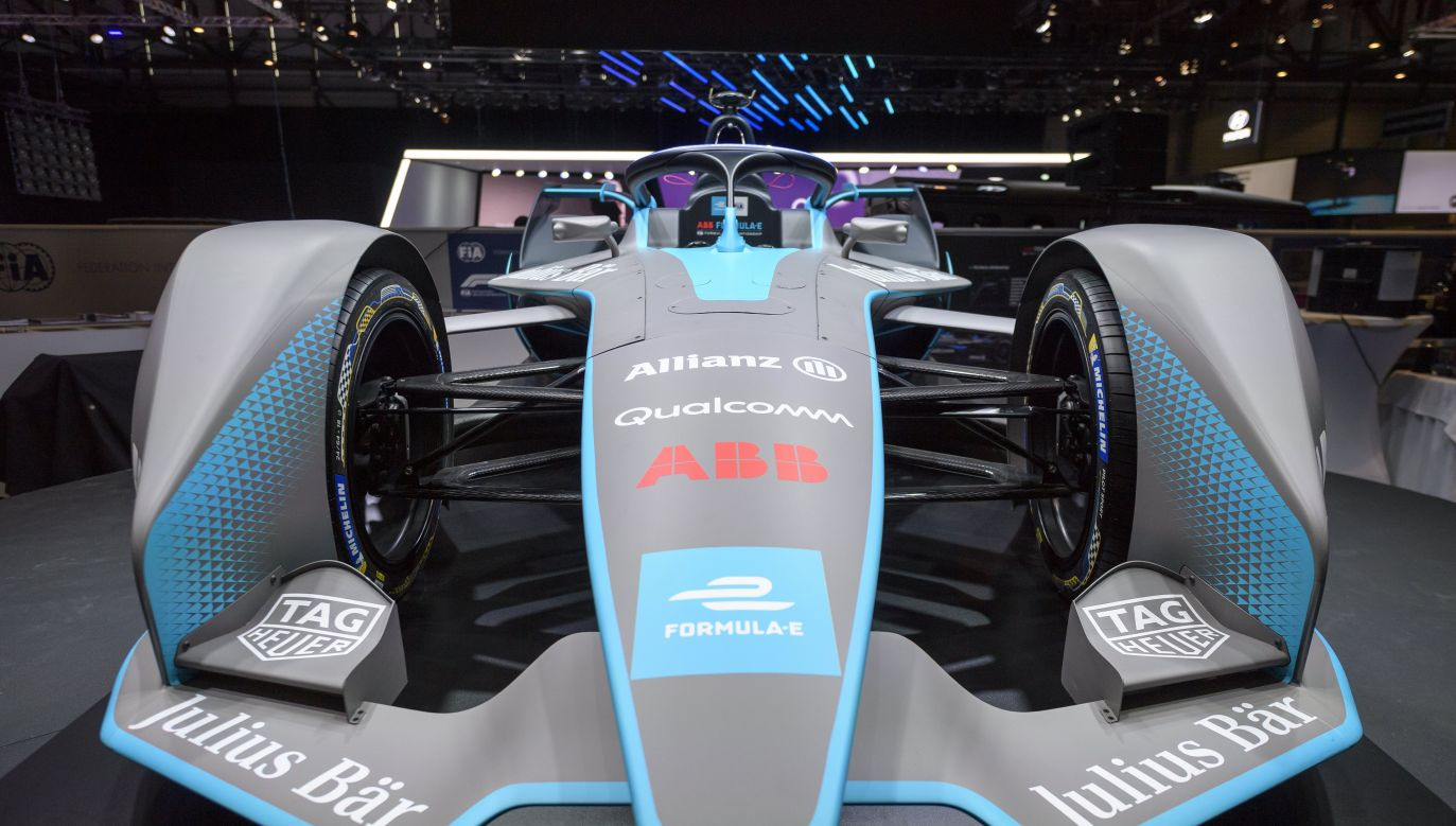 The Gen2 Formula E race car will make its first appearance in Poland on September 12-13. Photo: PAP/EPA/MARTIAL TREZZINI