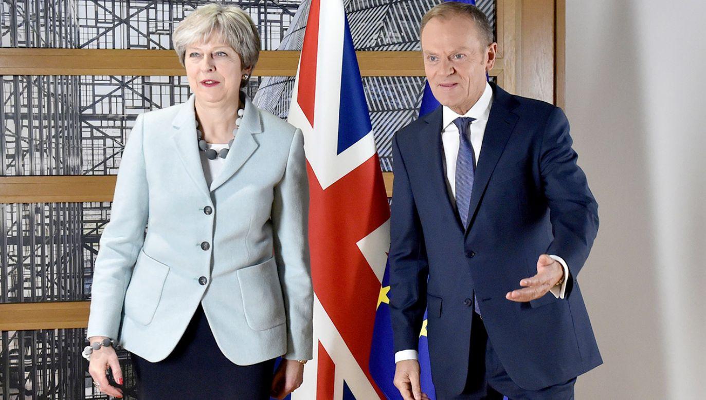 """Brytyjskie media mówią o """"upokorzeniu"""" premier Theresy May (fot. REUTERS/Eric Vidal)"""