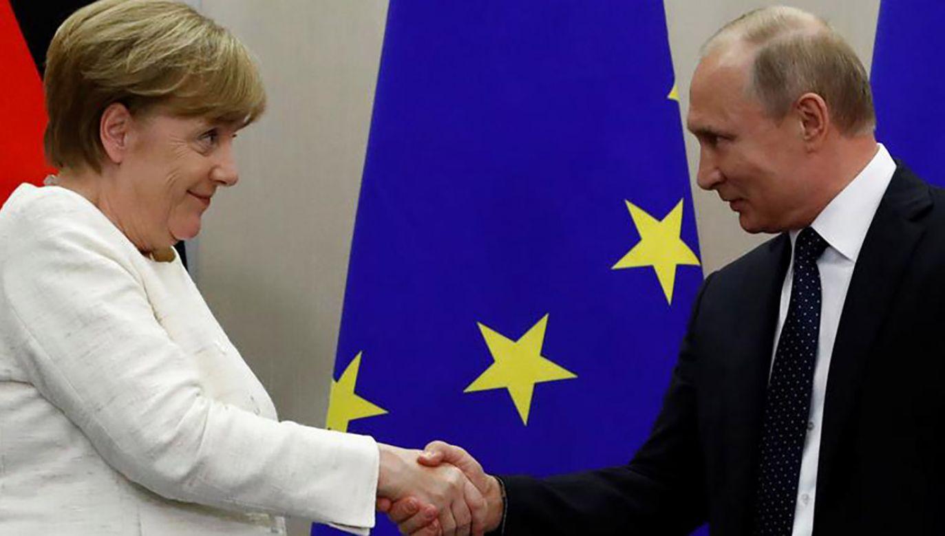 Rozmowy Putina z Merkel mają się rozpocząć od oświadczenia obojga polityków dla prasy (fot. REUTERS/Sergei Karpukhin)