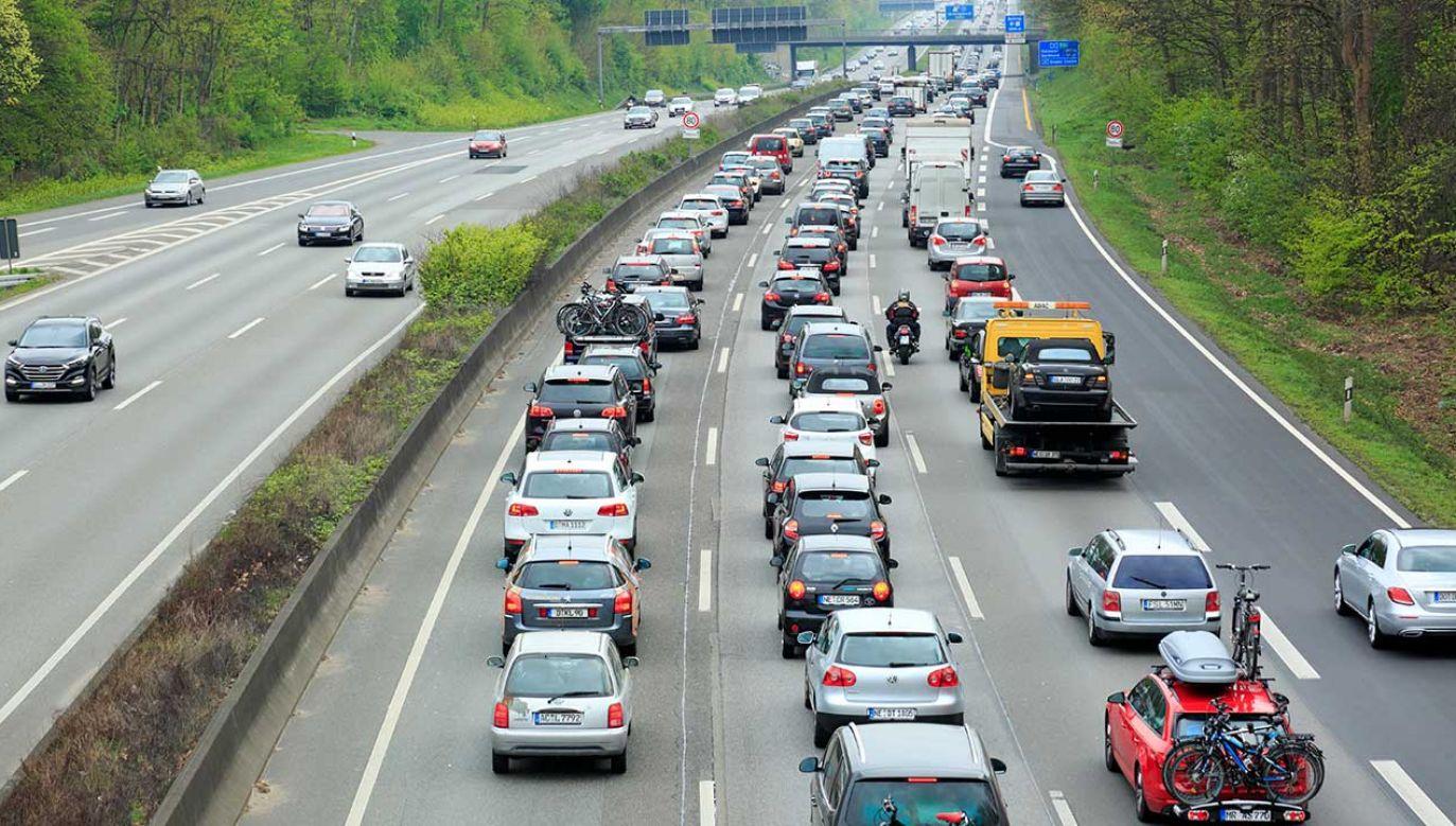 Za niemieckie autostrady teoretycznie zapłacą wszyscy, ale Niemcy będą mogli odliczyć opłatę od podatku (fot. Werner OTTO/ullstein bild/Getty Images)