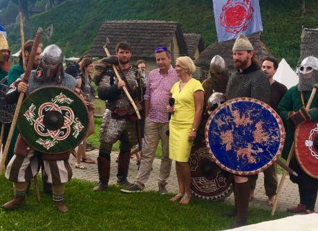 """VIII Karpacki Festiwal Archeologiczny """"Dwa Oblicza"""""""