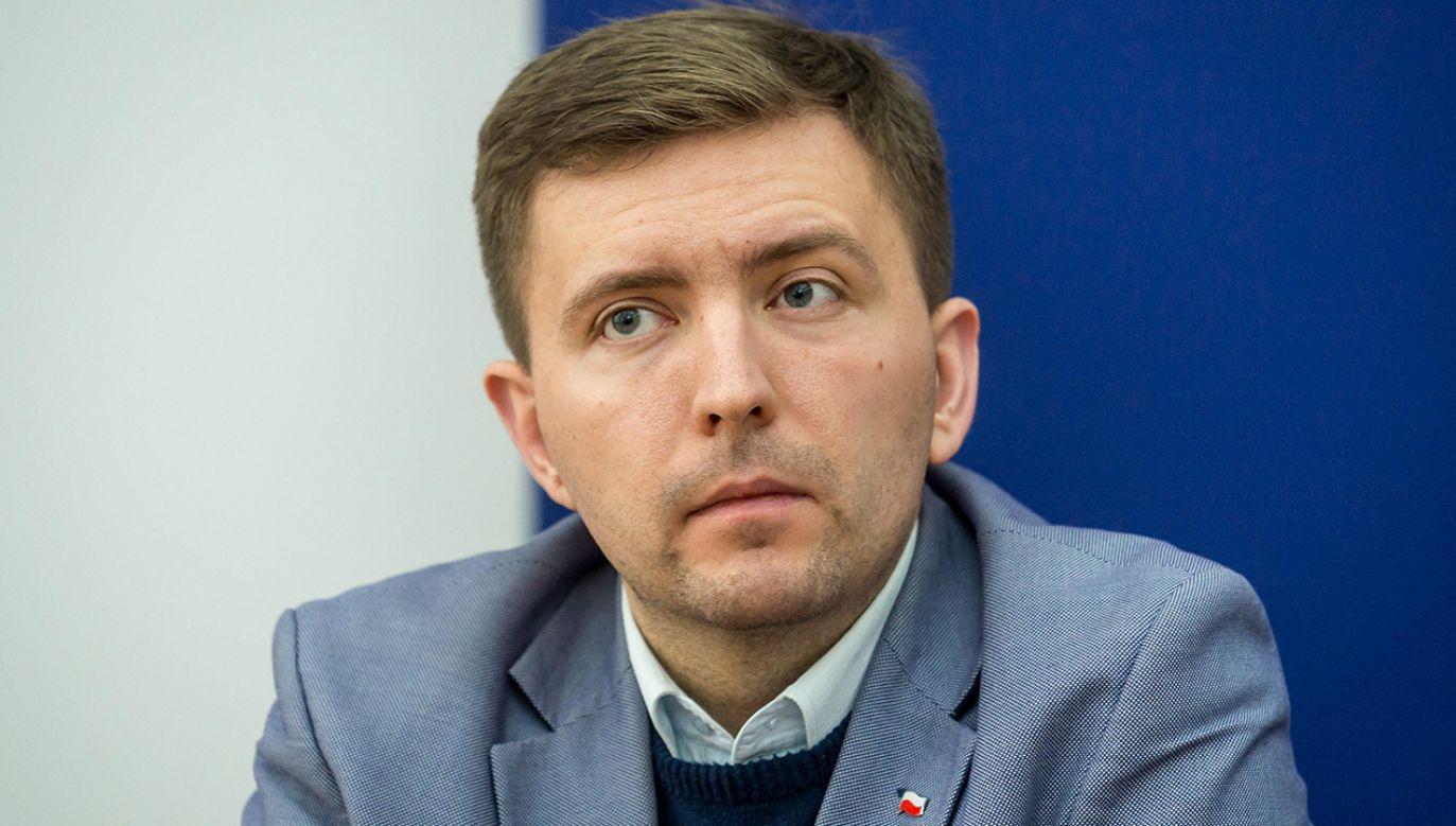Łukasz Schreiber czeka na odpowiedź z warszawskiego ratusza (fot. arch. PAP/Tytus Żmijewski)