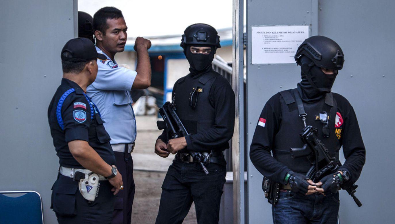 Policjanci sami nie wierzą, by Polak miał dostarczać separatystom broń (fot. Ulet Ifansasti/Getty Images)