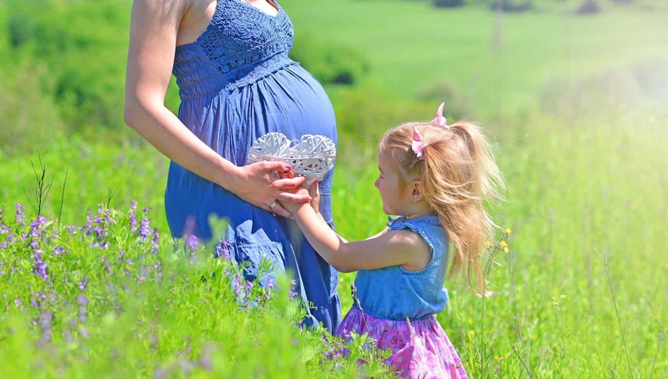 We wszystkich województwach w Polsce wzrosła liczba dzieci przypadających na statystyczną kobietę (fot. Shutterstock/Varavin88)