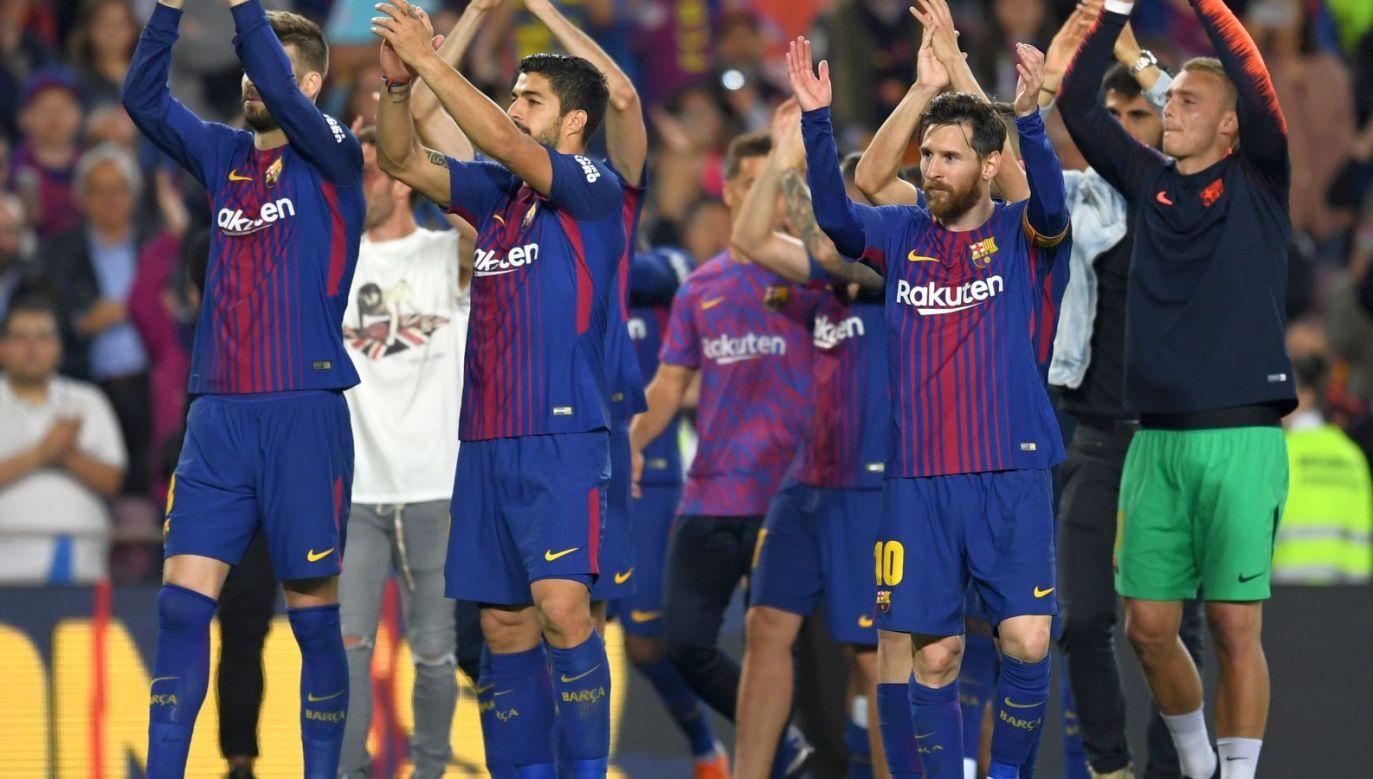 Piłkarze Barcelony świętują mistrzostwo Hiszpanii (fot. Getty)