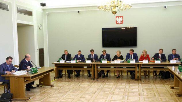 Zeznania przed komisja śledczą ma złożyć Jan Vincent-Rostowski (fot. PAP/Rafał Guz)