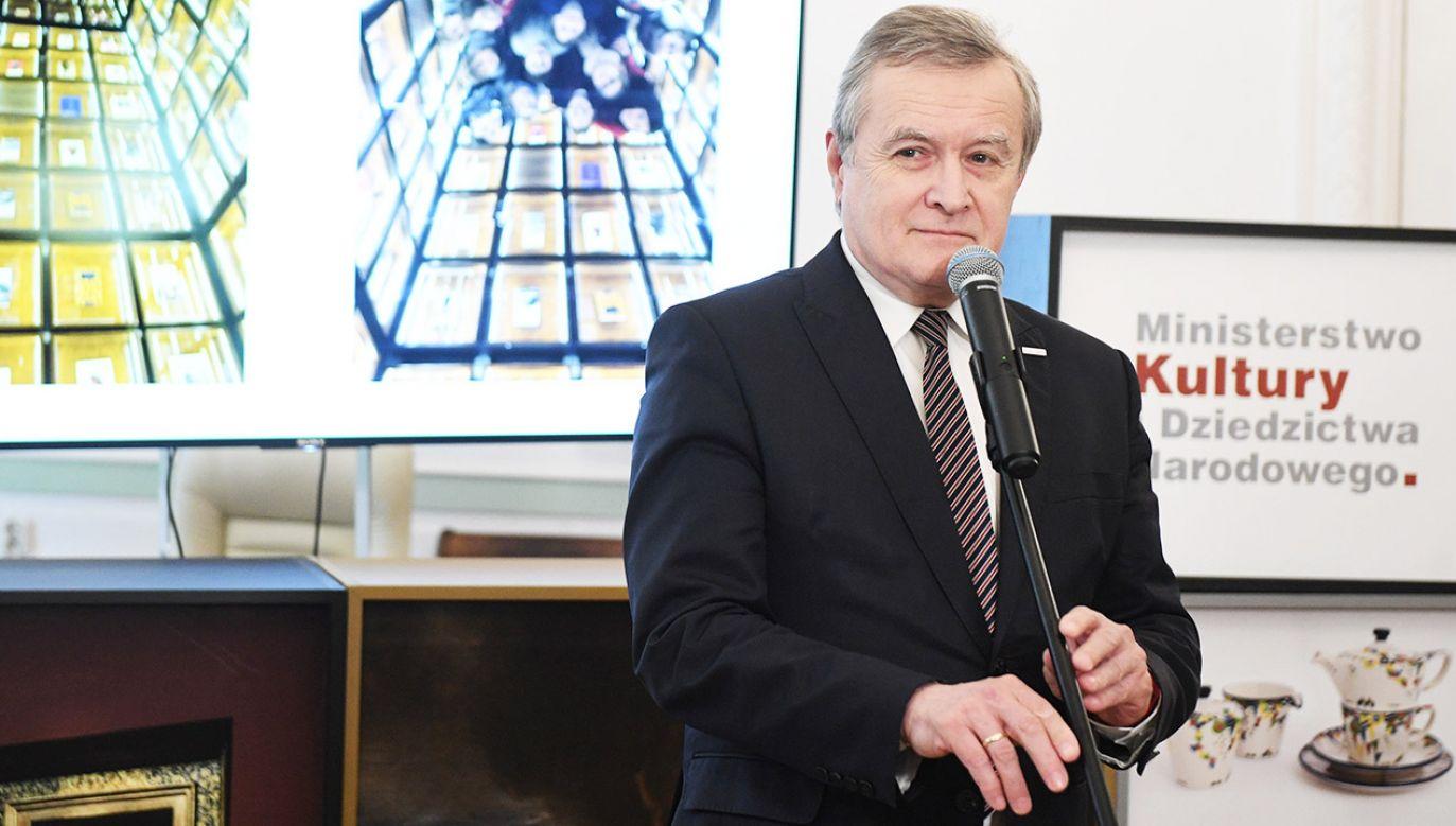 Minister kultury Piotr Gliński (fot. PAP/Radek Pietruszka)