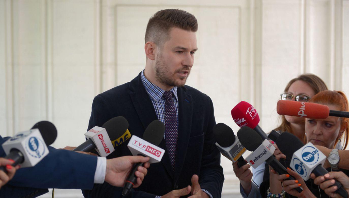 Szef Biura Prasowego Kancelarii Sejmu Andrzej Grzegrzółka (fot. PAP/Jakub Kamiński)