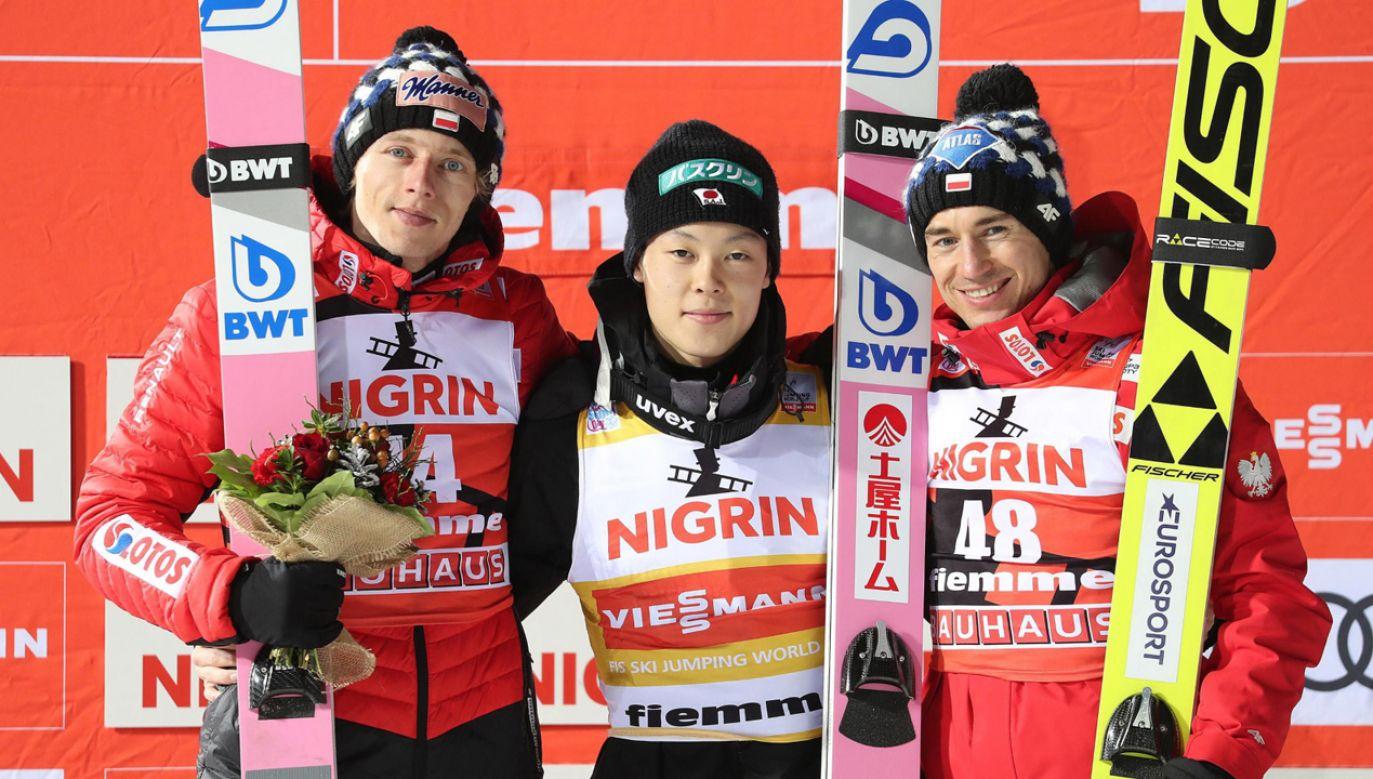 Dawid Kubacki, Ryoyu Kobayashi i Kamil Stoch (fot. PAP/EPA/ANDREA SOLERO)