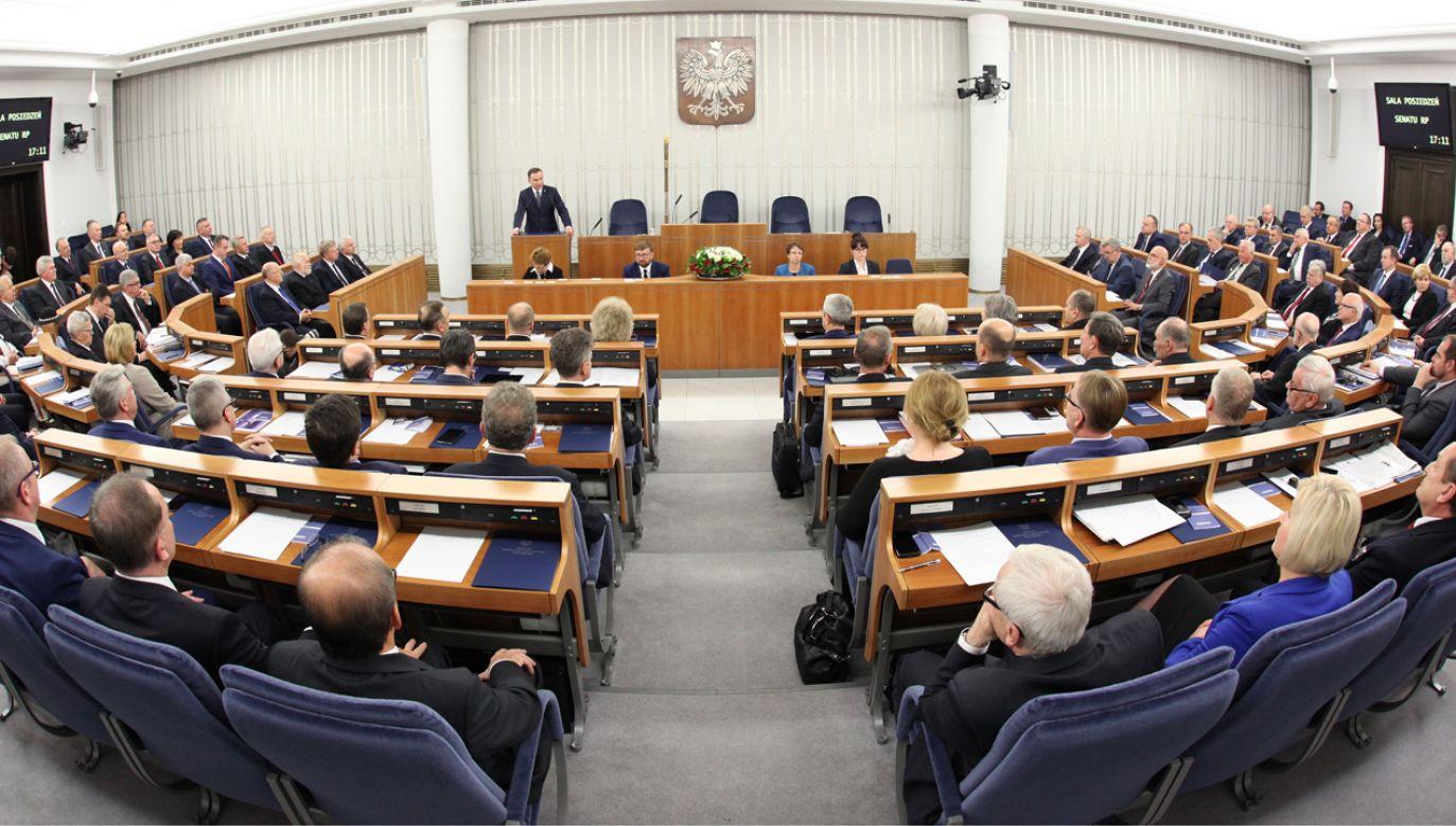 Marszałek Stanisław Karczewski zwoła dodatkowe posiedzenie Senatu ws. noweli prawa oświatowego (Wikimedia Commons/Katarzyna Czerwińska)