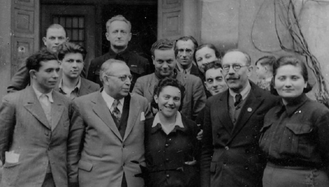 Polish Jewish hero commemorated: Abraham Silberschein (front row, second from left) was a WWII-era hero
